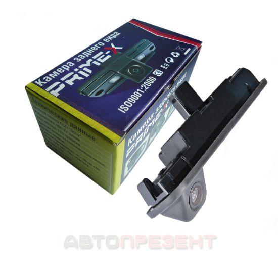 Камера заднего вида Prime-X TR-04 для Ford Focus III, B-Max, Tourneo Connect  2014+ (в ручку багажника)