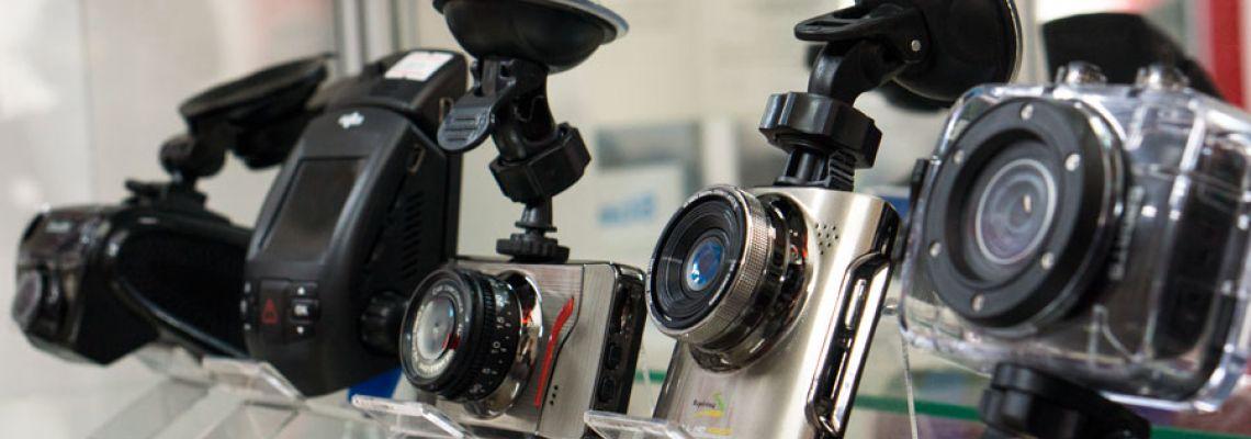 Як вибрати автомобільний відеореєстратор. Чому про це не говорять продавці? Корисні функції сучасних відеореєстраторів.