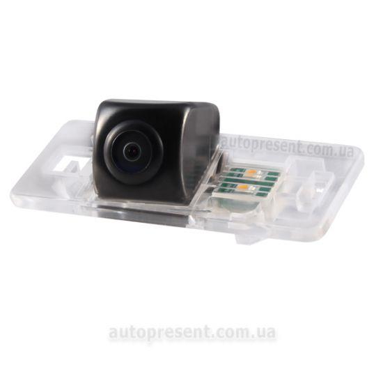 Штатная камера заднего вида GAZER CC100-8T0-L