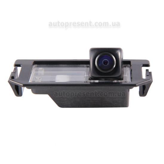 Штатная камера заднего вида GAZER CC100-2C7