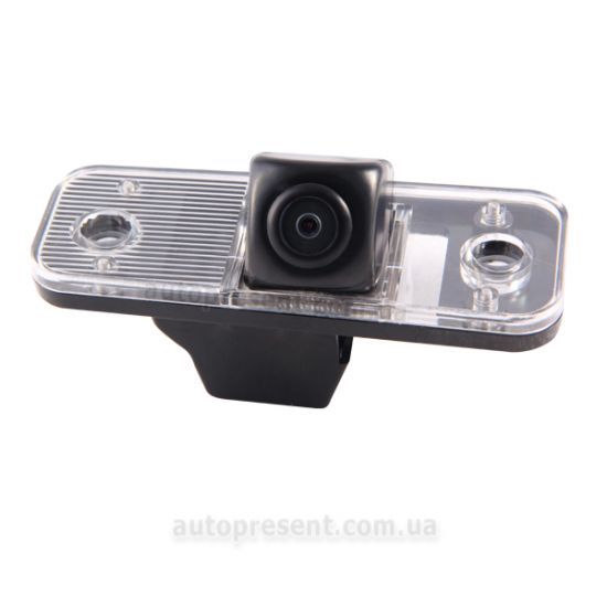 Штатная камера заднего вида GAZER CC100-2B0