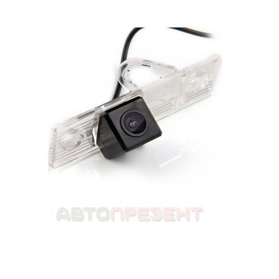 Штатная камера заднего вида MW-6076 Mitsubishi Pajero IV 2006+