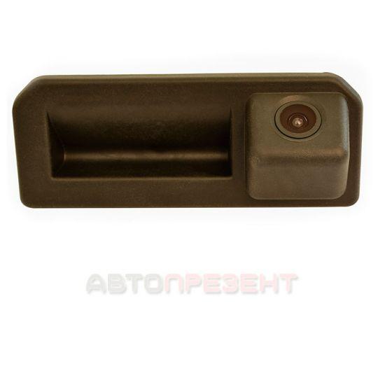 Камера заднего вида в ручку багажника Prime-X TR-07
