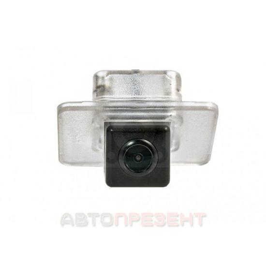Штатная камера заднего вида Fighter CS-HCCD