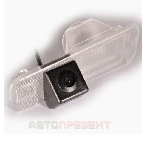 Штатная камера заднего вида IL Trade 9895, KIA